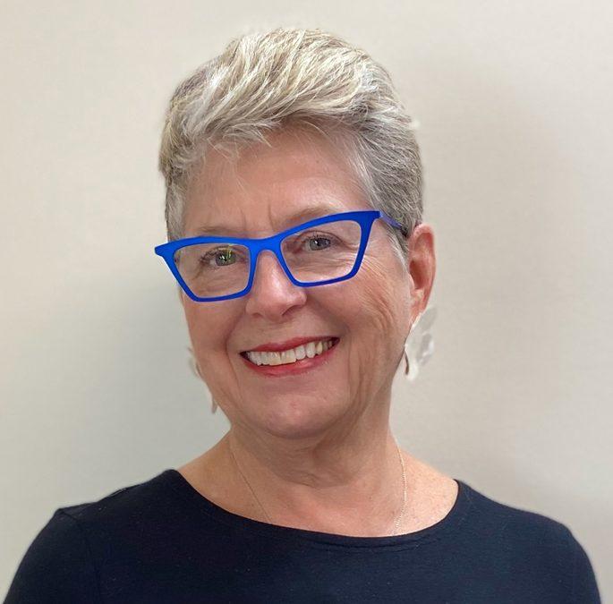 Carolynn Desch naples artist spotlight