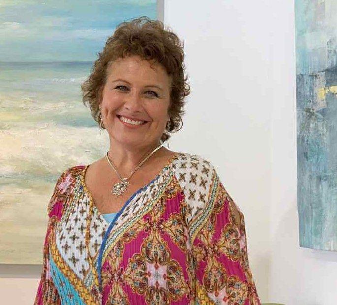 Sandee Mahler naples artist spotlight